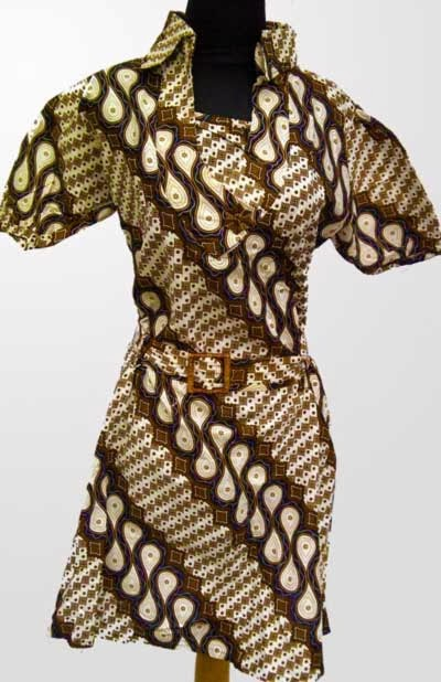 Model baju atasan batik wanita untuk kerja