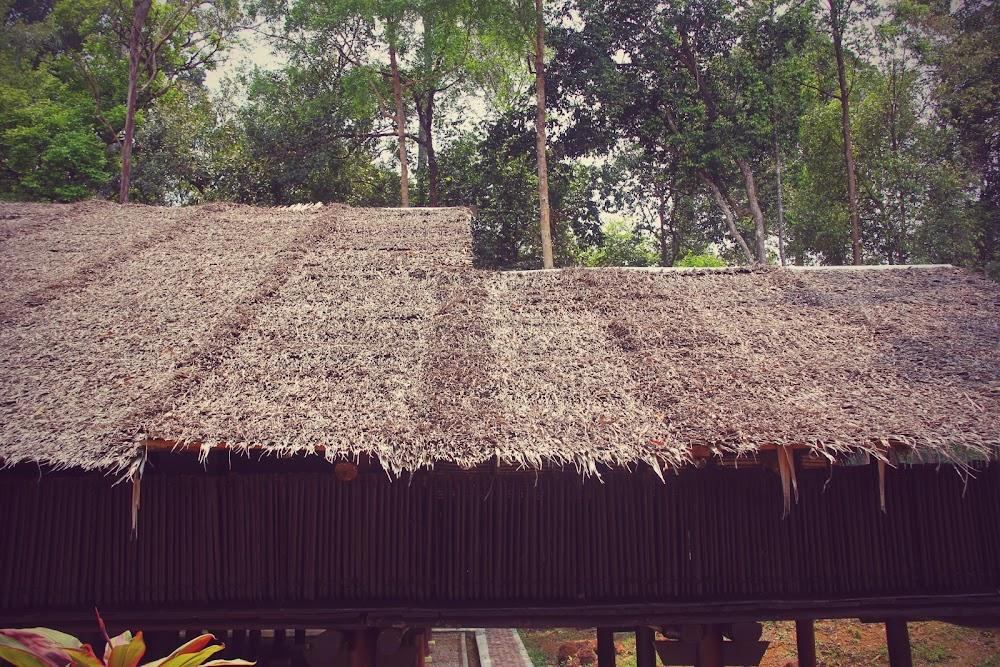 Bahagian luar Rumah Sabah