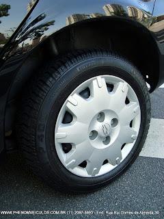 Chevrolet Prisma 2010 1.4 Maxx - rodas com calotas