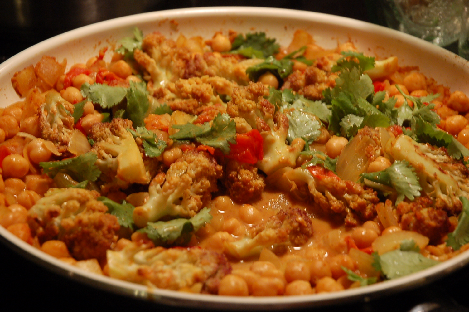 ... Eats: Meatless Chickpea Curry with Roasted Cauliflower and Tomatoes
