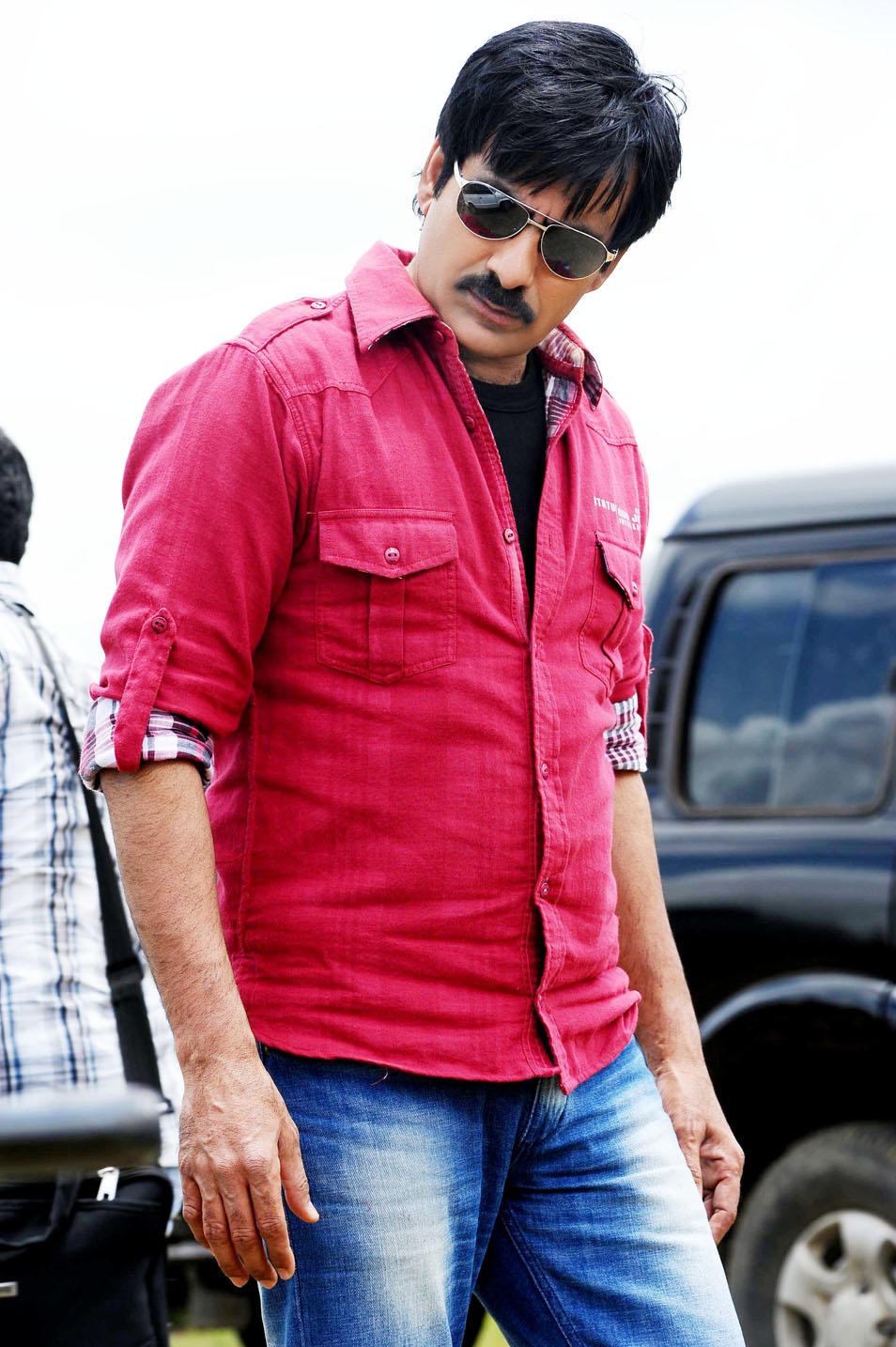 tollywood news |tollywood wallpapers: ravi teja first look stills