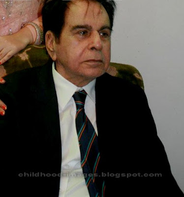 dilip kumar mini biography and childhood photos