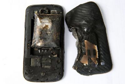 phone catches fire in pocket