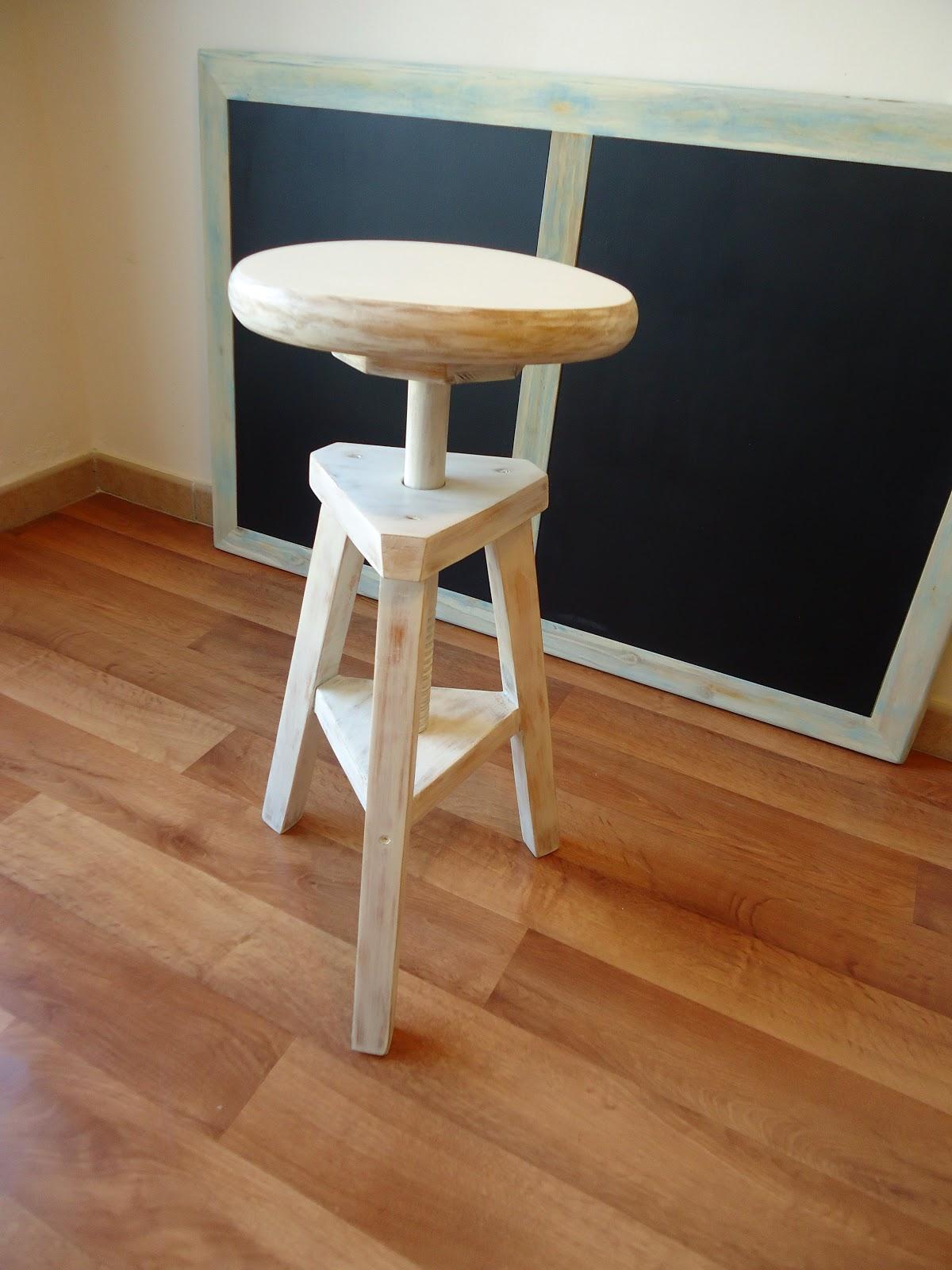 Taburete pintor blanco decap vendido - Taburete madera regulable ...