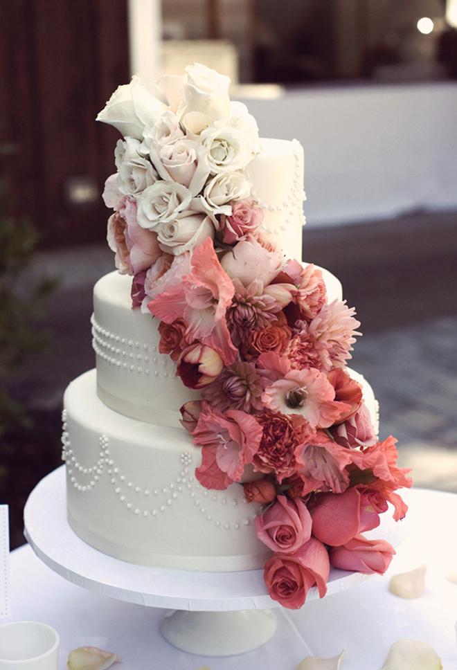 12 fabulous ombre wedding cakes belle the magazine for Garden wedding cake designs