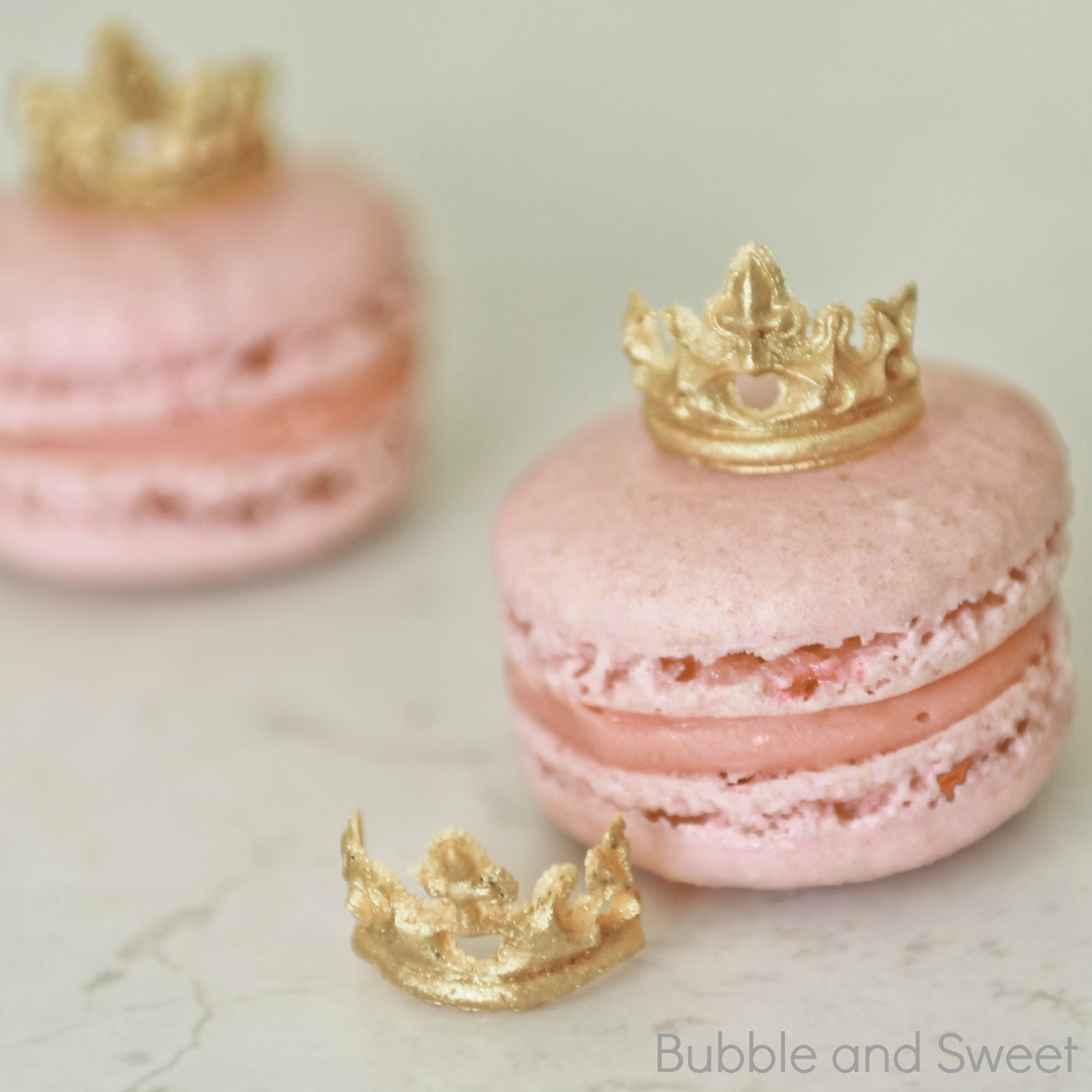 Bubble and Sweet: Princess Macarons with Mini edible tiaras or how to ...