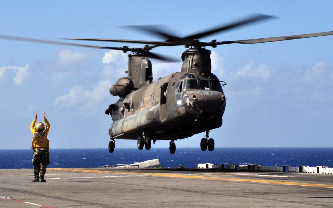 CH-47 Chinook Helicopter Wallpaper 2