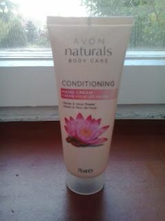 Avon Naturals, Conditioning Hand Cream Cacao & Lotus Flower (Odżywczy krem do rąk `Kakao i kwiat lotosu`)