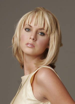 Best hairstyles for oval faces 2013: Medium hairstyles with bangs for