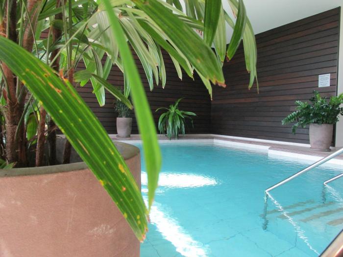 Yves Rocher Blogger Event - La Gree des Landes Hotel - Erster Pool im Spa Bereich