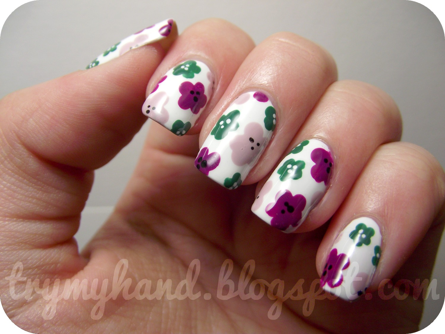 Try my hand july 2012 i guess i wasnt really thinking about the current season when i chose the colours for this design but all the same i love it the flowers are so simple prinsesfo Images