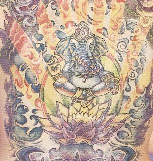 Tatuagem ganesha cor de volta