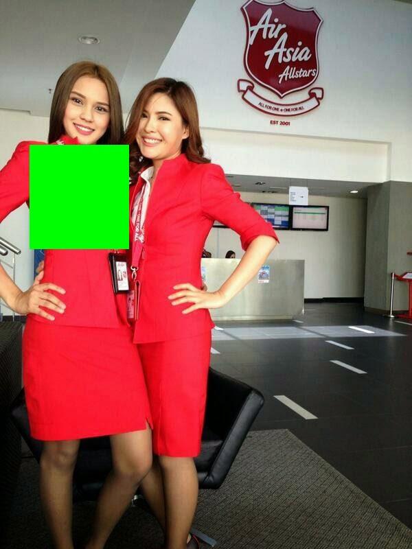 2 Gambar Aksi Menggoda Paramugari Airasia All Stars