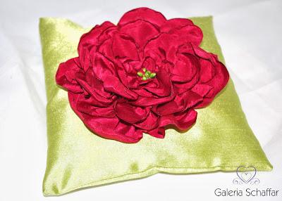 nietypowa poduszeczka ślubna róż zieleń dodatki ślubne fuksja galeria schaffar