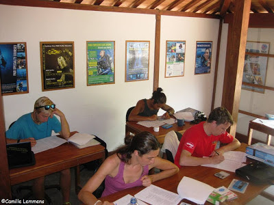PADI IDC Gili Air, Indonesia at Oceans 5 theory exams