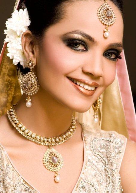 hairstyles long hair 2013 winter on Beautiful Fashion Model Amina Sheikh Bridal Makeover Shoot For Huma Al ...