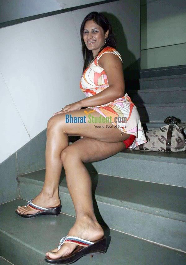 Indias Most Purely: Andra Aunty in Chudidar