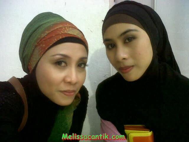 Foto Hot Tante Cantik Memakai Hijab Narsis di Hotel