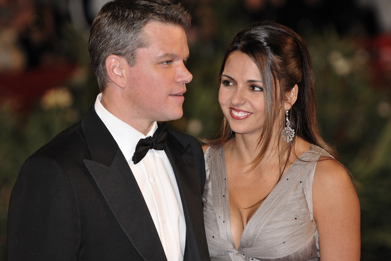 hollywood all stars matt damon and his wife pictures