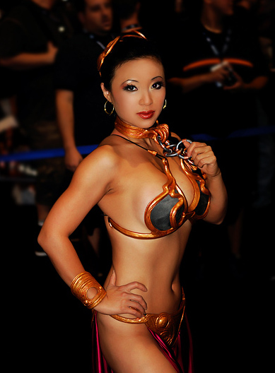 Jolie bikini burberry girl perfect!