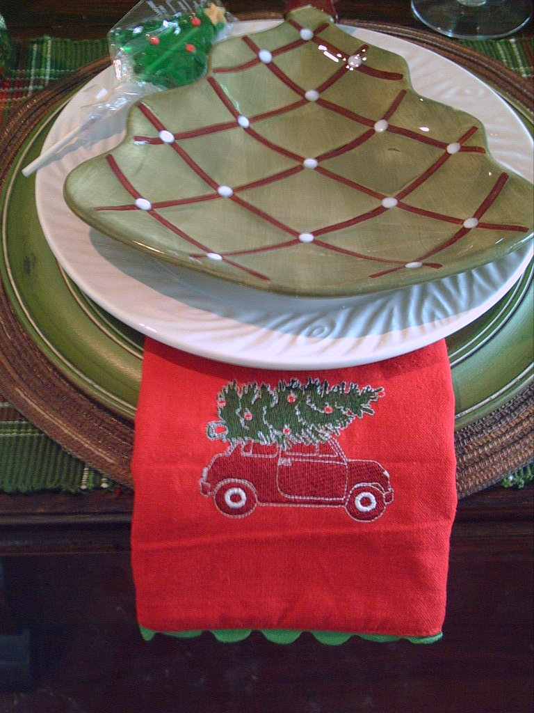 Candlelight Supper Vintage Christmas Tree Tablescape