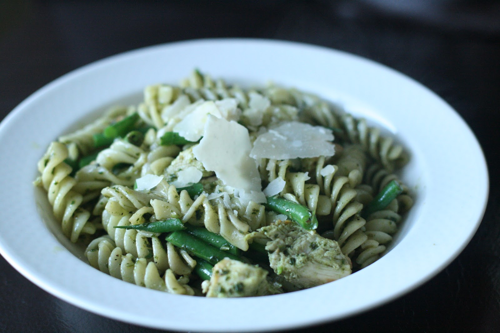 Pasta with Pesto, Chicken, and Green Beans