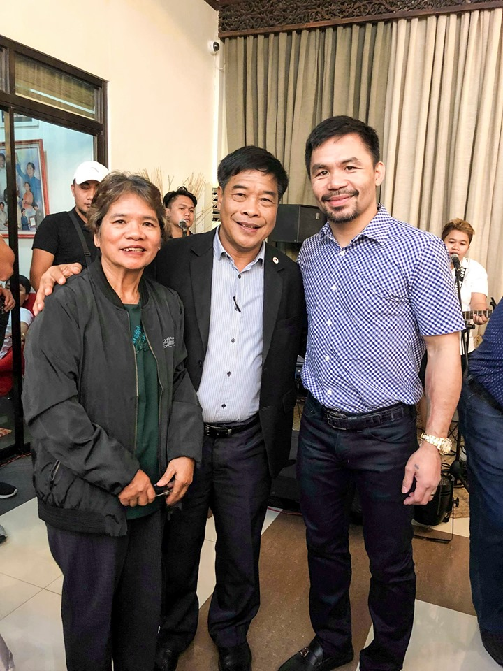 "Vizcaya's Vice Governor Jose ""Tam-an"" Thomas with Senator Manny Pacquiao"