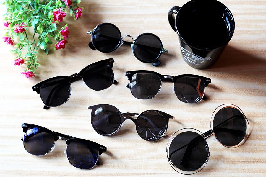 5454bb8935a2d Em algumas fotos os óculos espelhados não ficaram tão evidentes pois tirei  dentro de casa, mas abaixo de cada óculos vou mostrar uma foto usando (na  rua) ...