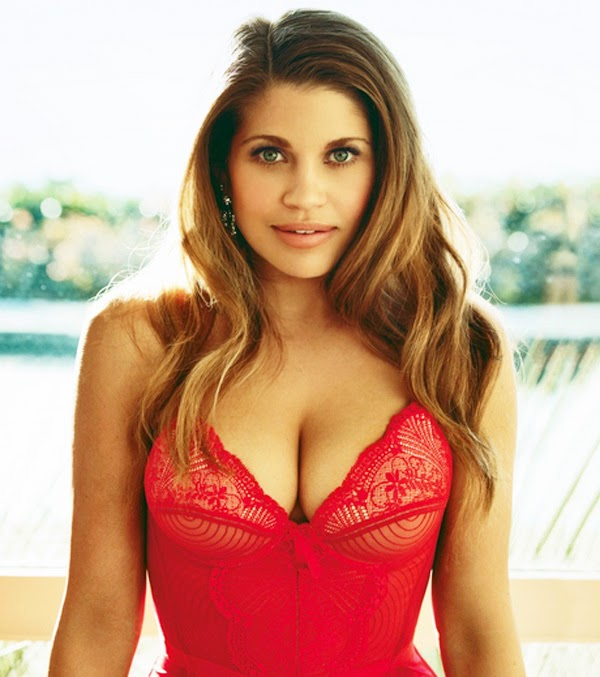 danielle fishel wedding
