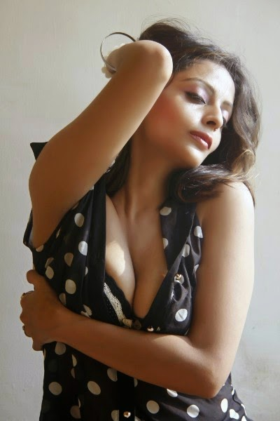 Model Leena Kapoor Hot Photoshoot