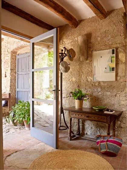 Side street style italian interior inspiration bellacasa - Decoracion de casas antiguas ...