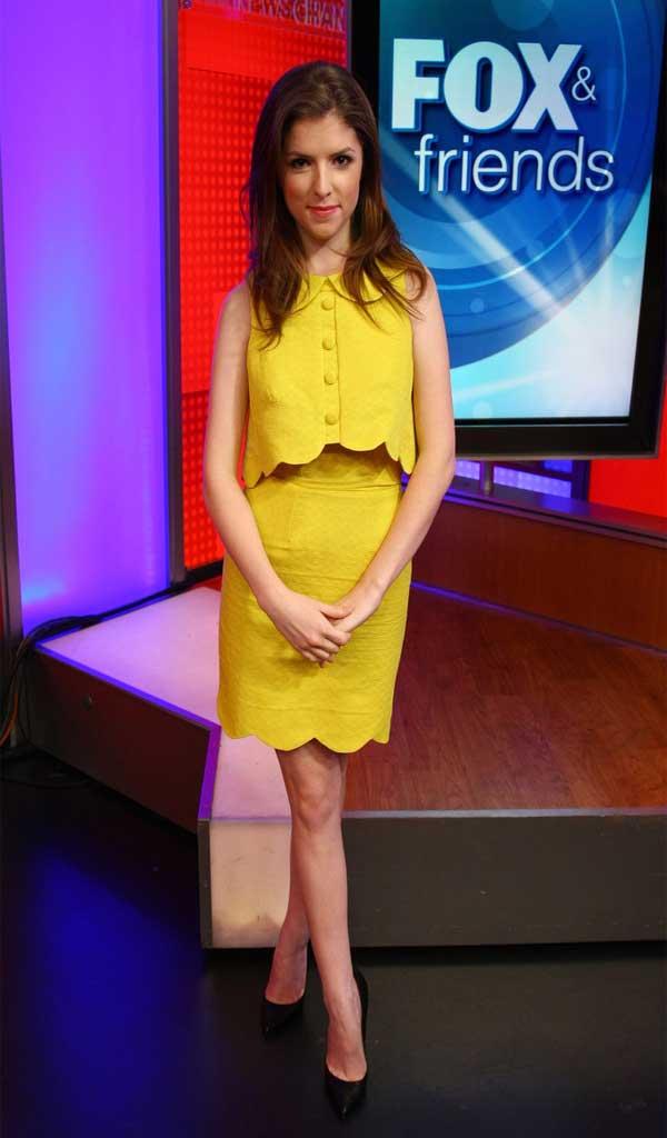 anna kendrick pencil skirt dress styles anna kendrick pencil skirt ...