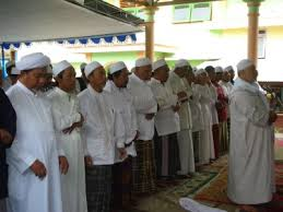 Hukum Tak Selesai Membaca Al-Fatihah Ketika Shalat Berjamaah Karena Imam Telah Ruku