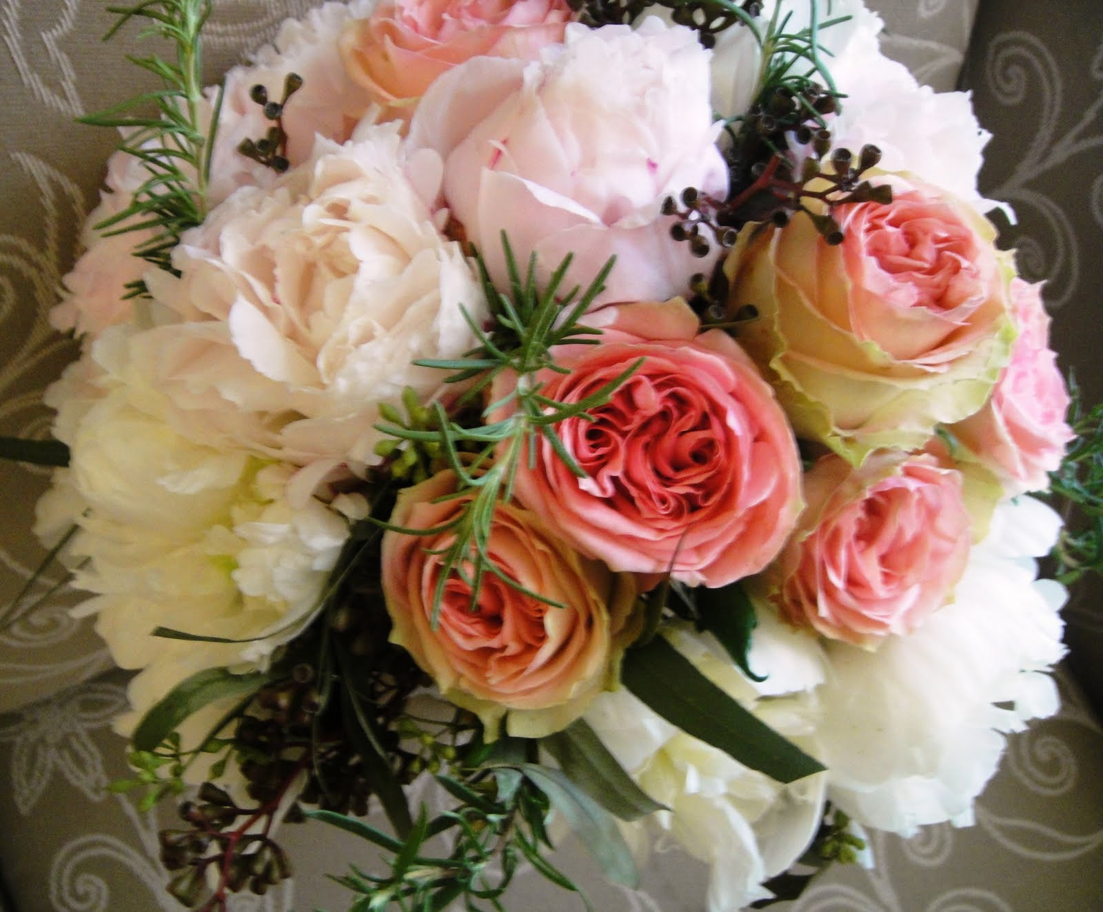 Wedding Bouquets In April : The bridal buzz wedding flowers at carlouel yacht club