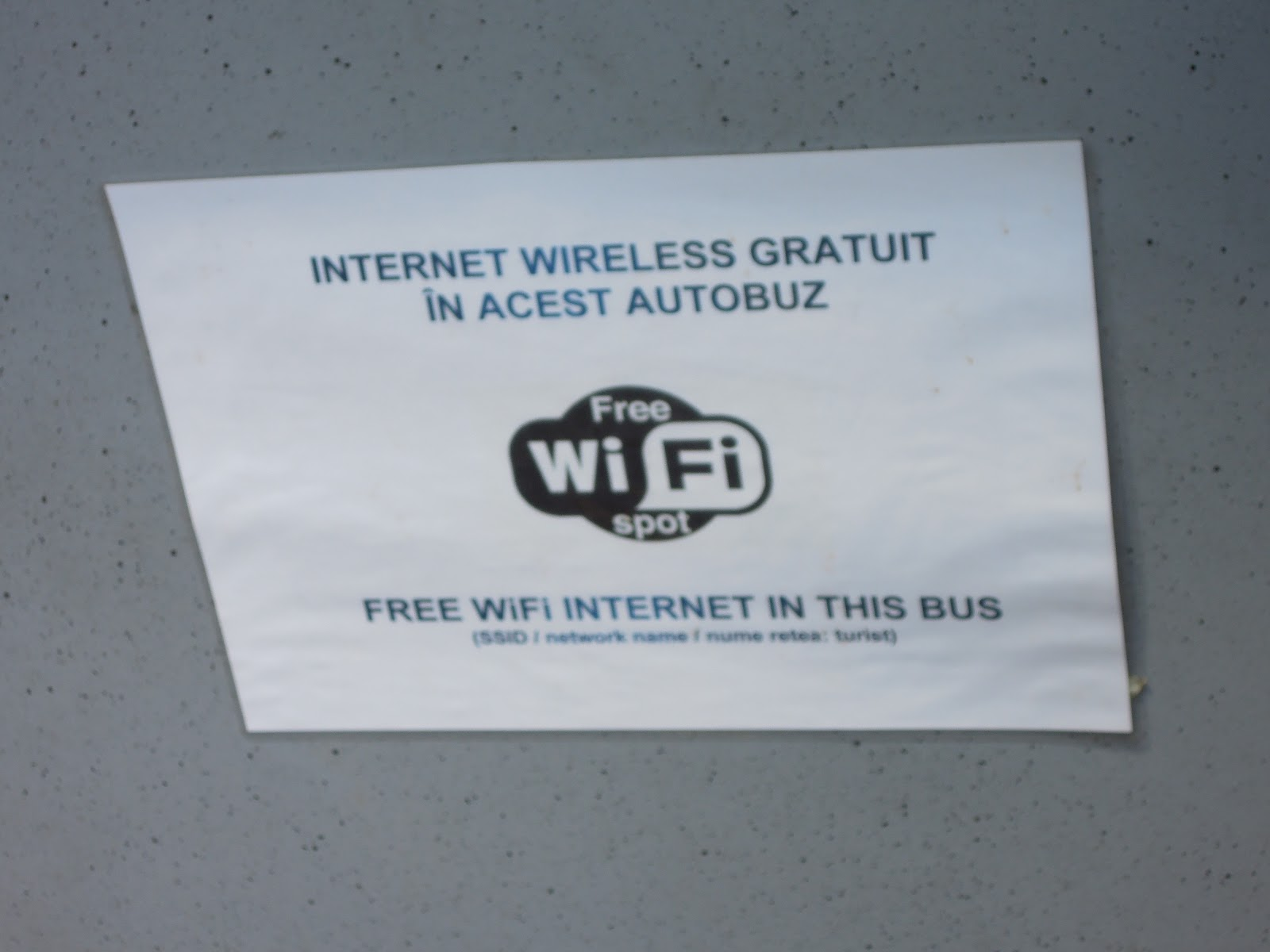 Anunt Internet wireless gratuit din autobuzul Bucharest City Tour