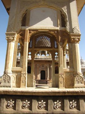 India - Jaipur - Gatore ki Chhatriyan