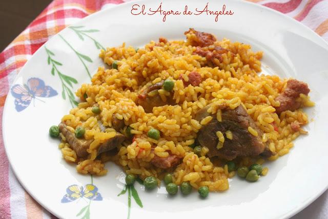 arroz con costillas y salchichas