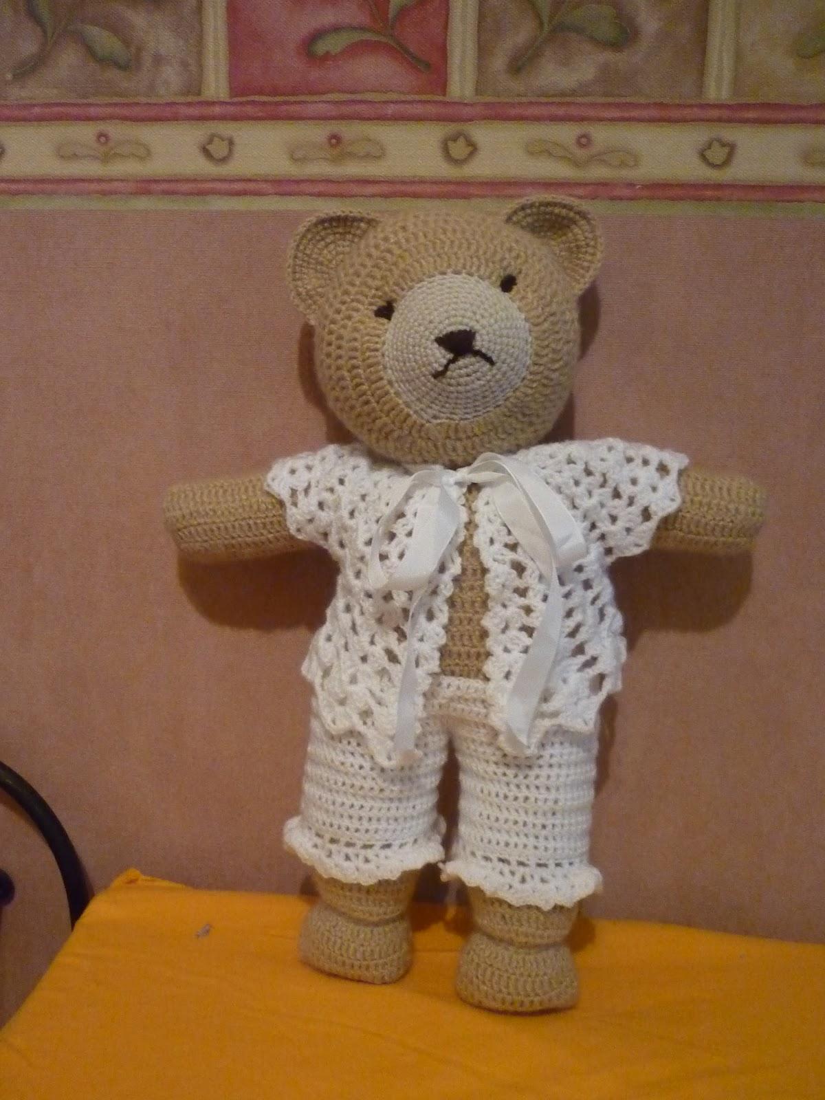 Tejiendo Suenos: Canelle Oso amigurumi ( un oso romantico)