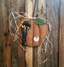 PUMPKIN & CROW WALL HANGER
