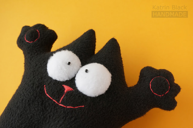 Кот Саймона чёрный - игрушка из флиса. Заказать.