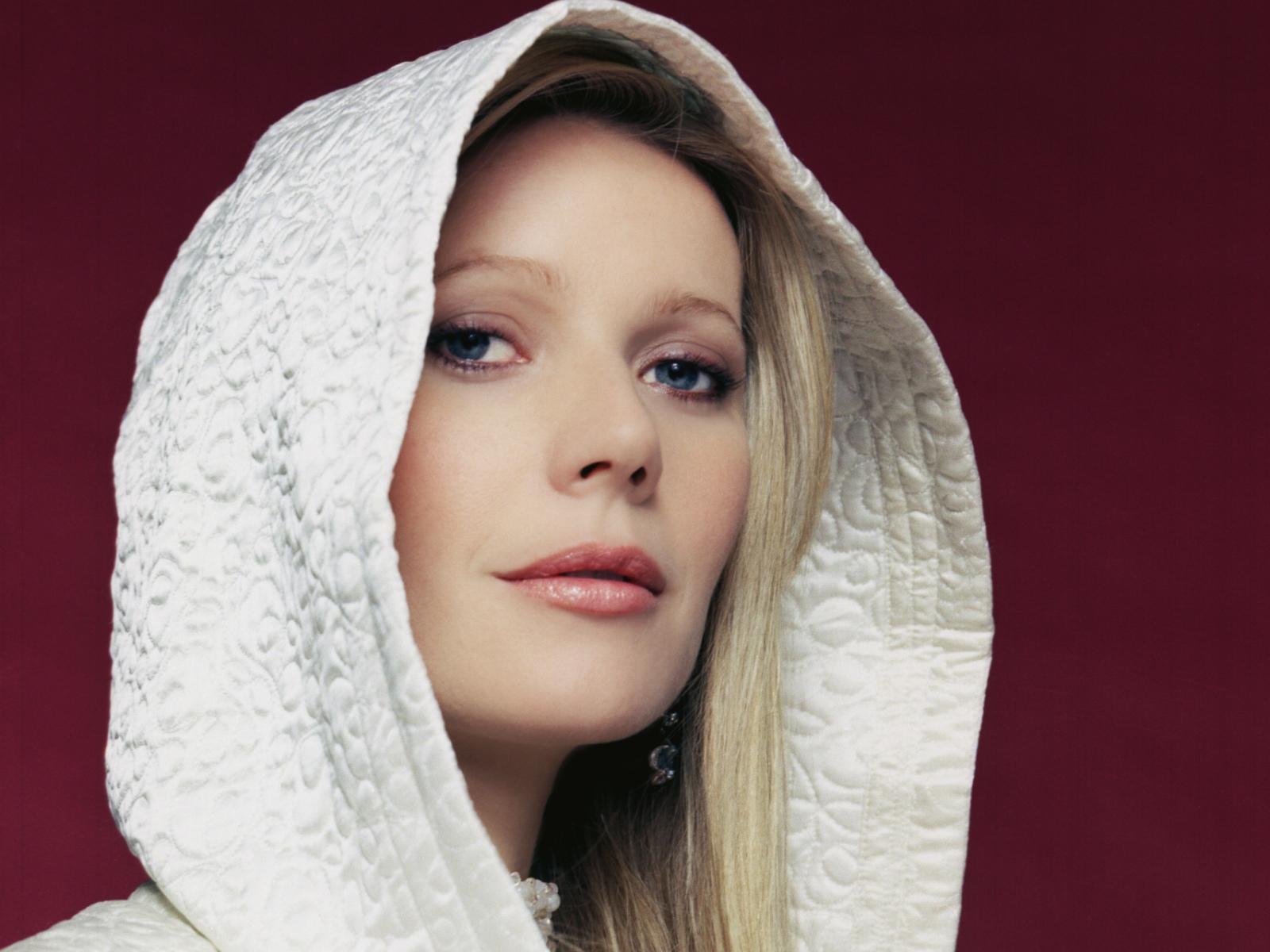 http://2.bp.blogspot.com/-eT0-jaA_t2Q/UDpFaAH1MyI/AAAAAAAAHtE/nA09Kjk0Z1c/s1600/Gwyneth-Paltrow-030.jpg