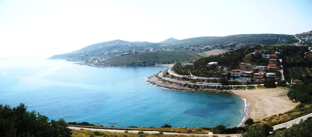 Στην Νότια πλευρά του Δήμου Κερατέας υπάρχει η παραλία του Χάρακα και το  ιστορικό νησί του Πάτροκλου(Γαϊδουρονήσι) όπου τους καλοκαιρινούς μήνες  είναι ... 310c42c820d