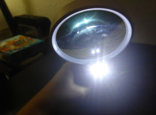 Fancii_Illuminated_Magnifying_Glass.jpg