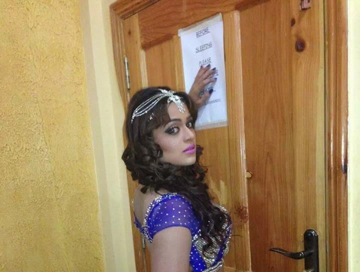 Pashto Hot Actress Warda Khan Facebook | Big MP3