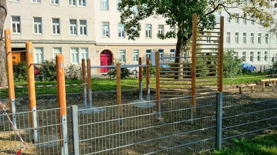 Klettergerüst Calisthenics : Bielefeld calisthenics anlage marienschule deutschland spot