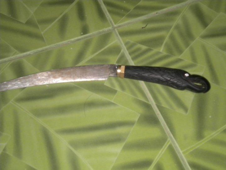 pisau helang