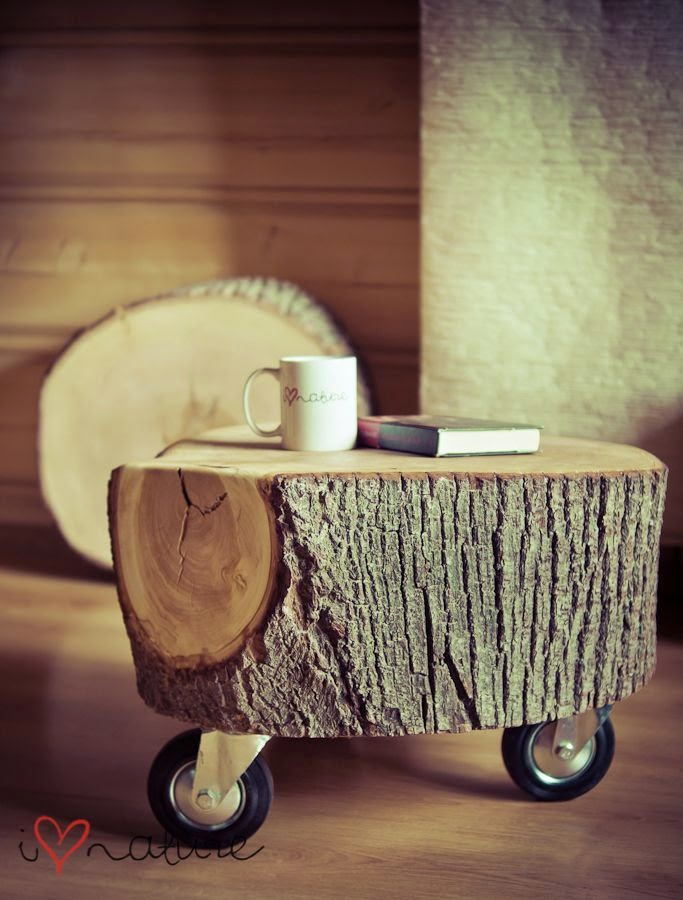 http://diyforlife.com/33-creative-diy-ideas-for-wood-slices-branches-and-logs/wood-26/