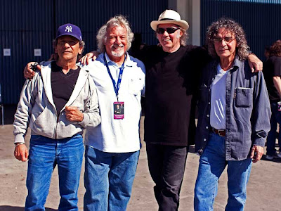 Neil Young &amp; Crazy Horse
