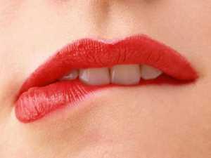 Tips cara memerahkan bibir petua tradisional