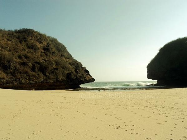 Pantai Greweng Wediombo